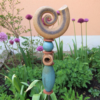 Keramik-Gartenstele SCHNECKE; Keramikatelier lovely-cera  ~ schöne Keramik-Kunst