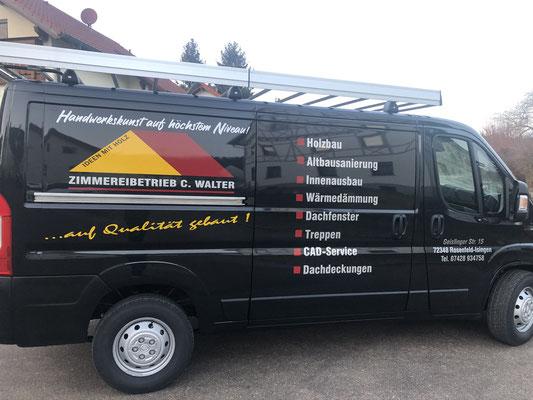 Transporter Beschriftung mit Folienschnitte aus Hochleistungsfolie