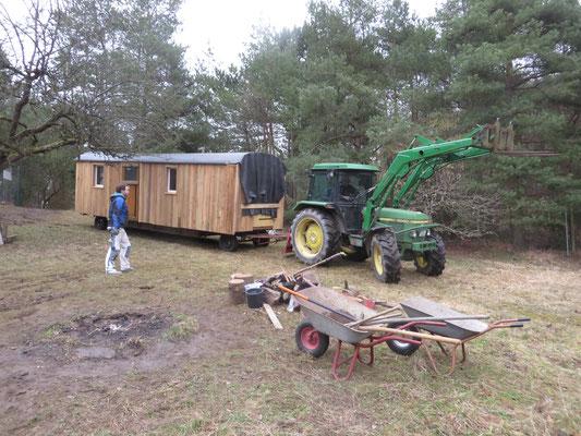 Der neue Bauwagen zieht ein