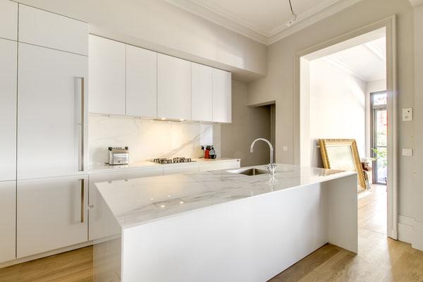 Création d'une cuisine Design à Bordeaux par MP intérieurs, Architecte d'intérieur à Bordeaux (33).