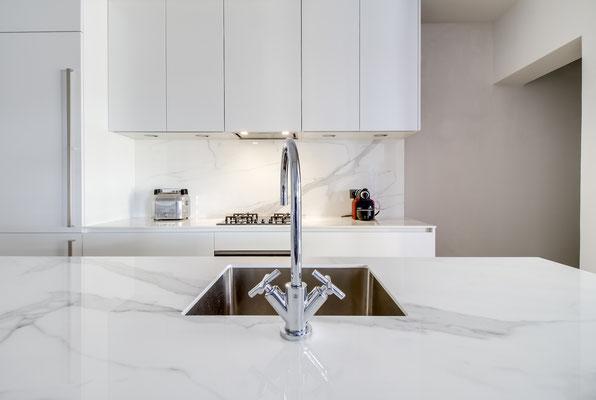 Création d'une cuisine Design à Bordeaux par MP intérieurs, Architecte d'intérieur à Bordeaux (33) : détail de l'évier.