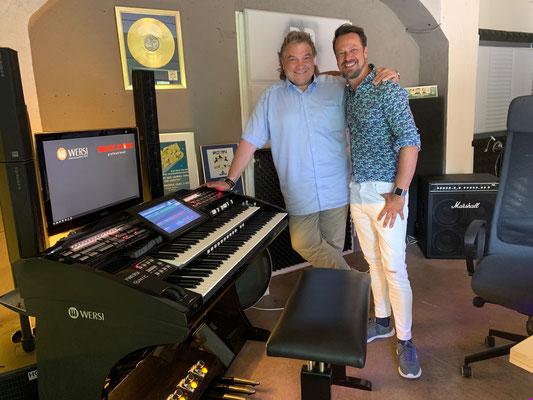 Stefan Baumgarth und Robert Bartha planen in Spanien den Auftritt zur Leipziger Musikmesse (Musicpark) im Herbst 2019.