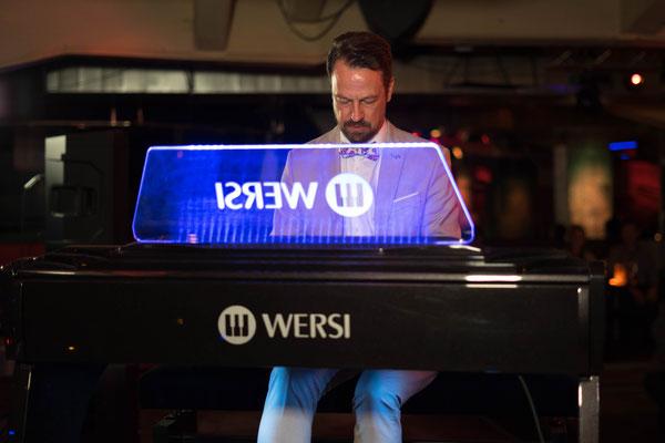 "Robert Bartha ""Live in Concert"" im SPIZZ Leipzig. Veranstalter: WERSI Leipzig, Stefan Baumgarth. Foto: Robert Soujon."