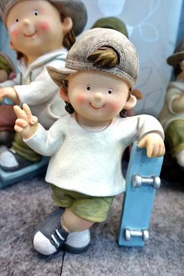 Formano, Junge mit Skateboard 11,90€