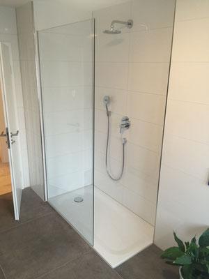 duschen glas und spiegel karlsruhe glaszuschnitt glasmontage glasbau glashandel duschen. Black Bedroom Furniture Sets. Home Design Ideas