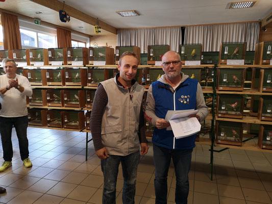 Böhmer D.  2. Platz in der Vereinswertung mit Schönsittich wildfarben
