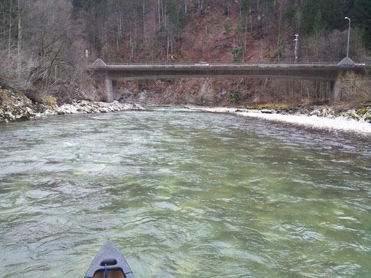 Brücke bei Ausfahrt aus dem Achbergtunnel Richtung Grenze