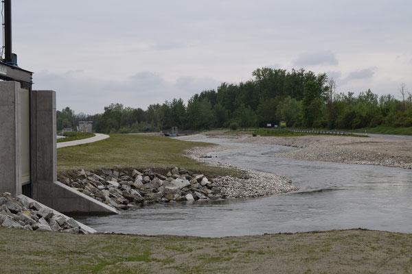 neues Begleitgerinne parallel zur Donau als Verbindung zwischen Aschach und Donau