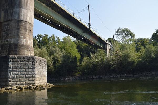 Eisenbahnbrücke bei Edt