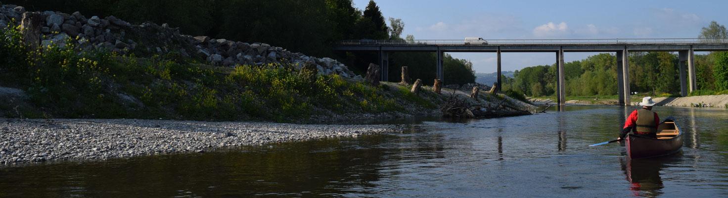 Brücke Richtung Kraftwerk Ottensheim