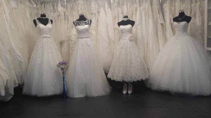 Eine Grosse Auswahl an Brautkleider
