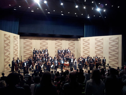 "Bach ""St. Matthew Passion"" Andre Vidal (Evangelista), Denise Tavares (soprano), Clara Figueiroa (contralto), Marlon Maia (Jesus); Coro do Festival de Opera de Brasilia; Orquestra Sinfônica do Teatro Nacional"
