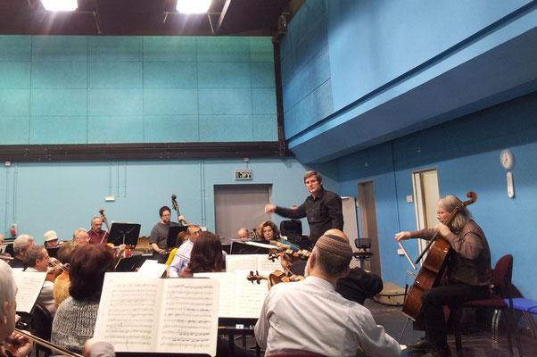 Israel Sinfonietta; Peter Bruns, Violoncello