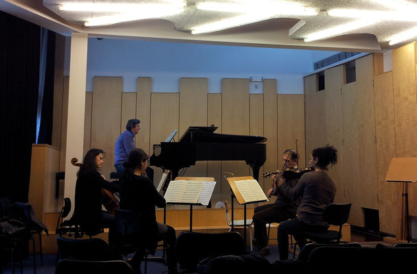 Rehearsal Seehafer Piano Quintet with Viktoria Chichkova (violoncello), Reinhard Seehafer (piano), Nguyen Nguyet Thu (viola), M° Nikolay Lalov (violin), Gergana Bencheva (violin)