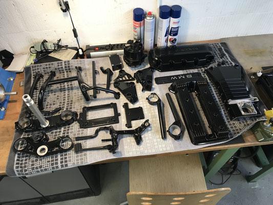 motorradteile sandgestrahlt bmw k100 motordeckel ständer gabelbrücke pulverbeschichtet schwarz glanz