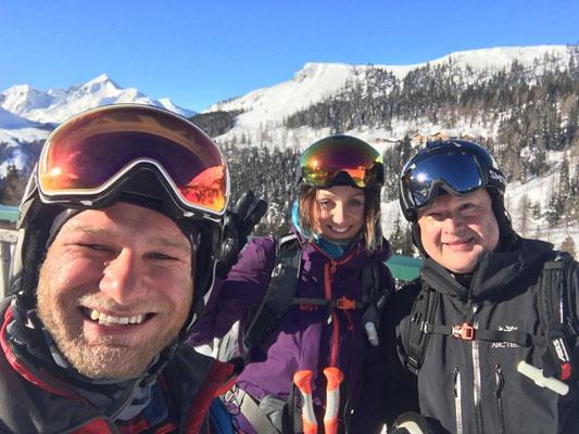 Patrik, Eva Walkner und ihr Begleiter