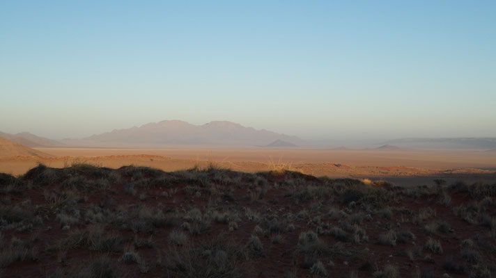 Sonnenaufgang in der Namib, Nov. 2016