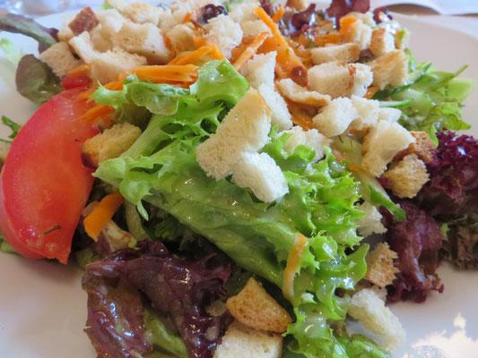 Salat Ilsewies Vegetarisch mit Croutons