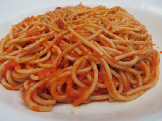 Dinkelvollkorn-Spaghetti mit Tomatensoße