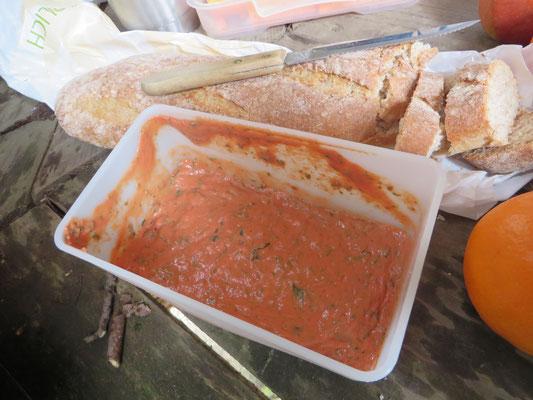 ein gut gewürzter Tomaten-Dip