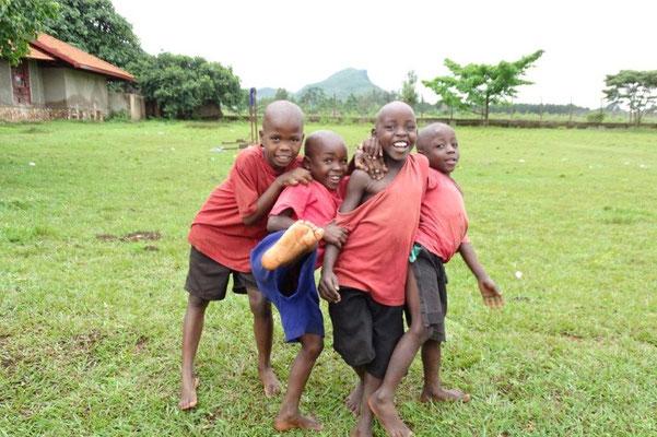 Kinder aus der Primary Schule