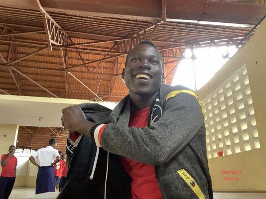 Bernard Awino hat seinen O Level geschafft