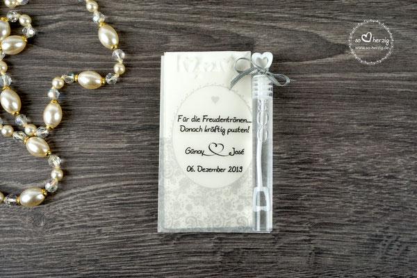 Freudentränen Taschentücher aus Pergamentpapier mit Herzrand & Bubbles, Design Romantik Silberfarben