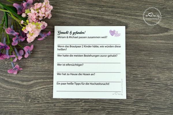 """Platzkarte mit Spiel """"Gesucht & gefunden"""" auf der Rückseite, Design """"zwei Herzen"""" flieder, Rückseite, Schrift Amazone BT"""