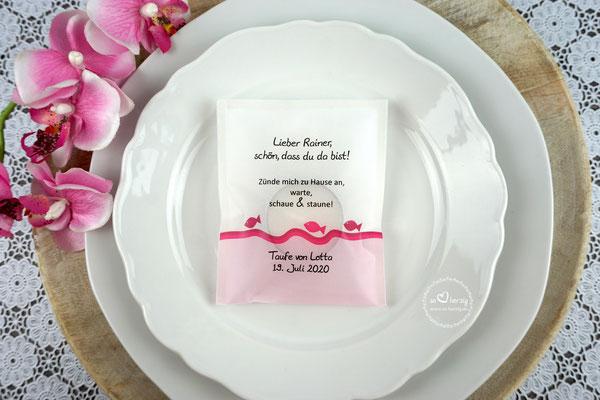 """Licht-Botschaft """"Verpackung als Platzkarte"""", Design """"Fische"""" Pink, Schrift Julius B Thyssen"""