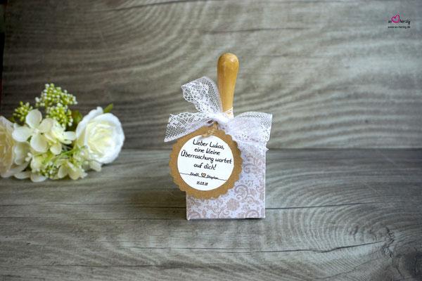 Platzkarte für die Babys/Kleinkinder, Holzrassel - Hochzeit Steffi & Stephan