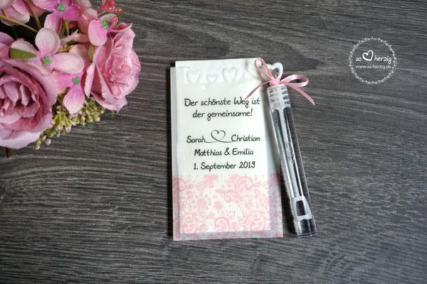 Freudentränen Taschentücher flach mit Bubbles und Herzrand, Design Spitzenband puderrosa