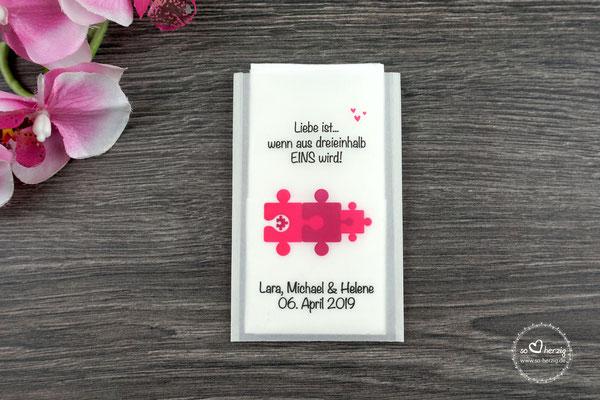 """Freudentränen Taschentücher Design """"Puzzle"""", Farbe Rot - Sonderanfertigung """"Eine Familie heiratet"""""""