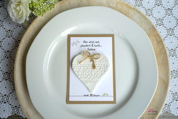 Platzkarte für die weiblichen Gäste, Handgearbeiteter Herzanhänger - Hochzeit Steffi & Stephan