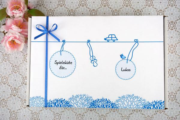Spielkiste zur Taufe, Design Auto Blau
