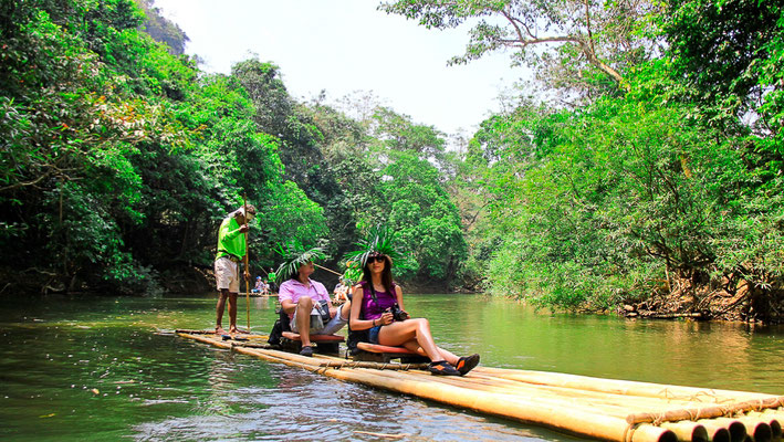 Khao Sok Nationalpark Tour - Bamboo Raft on Klong Sok River