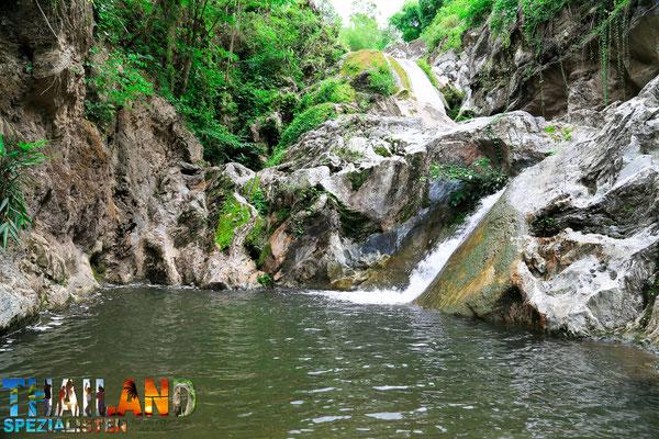 Waterfall Nationalpark Thailand