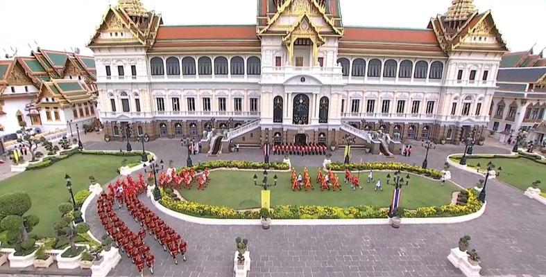 Zeremonie des thailändischen König Vajiralongkorn Rama X im Königspalast in Bangkok