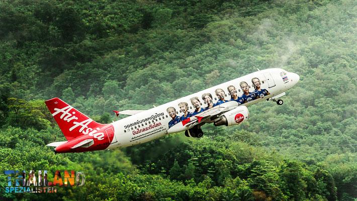 Thai AirAsia: Fliegen Sie günstig nach Surat Thani und anschließend mit der Fähre weiter nach Koh Samui.