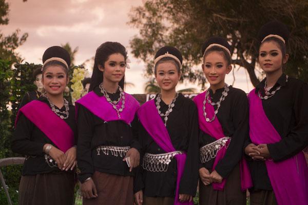 Traditionelle Tänzerinnen im Isan