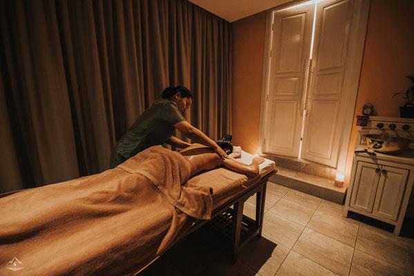 Und entspannende Öl-Massagen