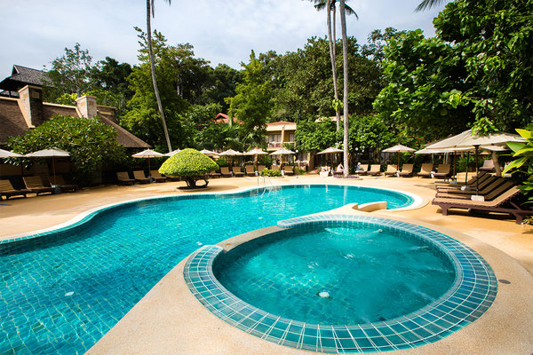 Fairhouse Beach Resort swimming pool