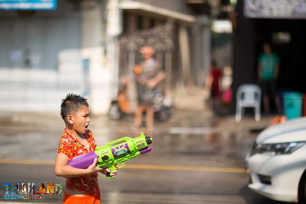 Mit Wasserpistolen bewaffnet