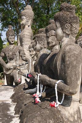 Zu Beuch im Sala Kaeo Ku Park in Nongkhai