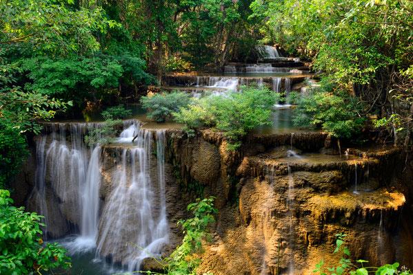 Huay Mae Khamin Waterfall - ein einzigartiger Wasserfall in Kanchanaburi