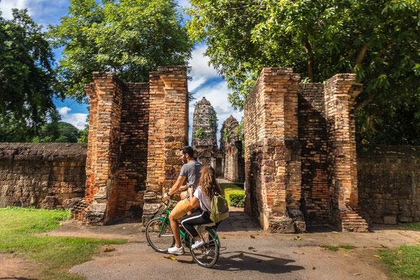 Fahrrad fahren im Sukhothai Historical Park
