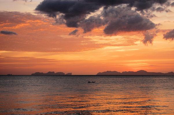 Blick auf Koh Phi Phi von Koh Jum