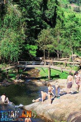 Natur und Wasserfälle in Pai