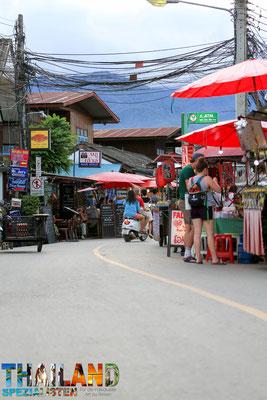 Hier auf der Walking Street findet jeden Abend der Nachtmarkt statt.