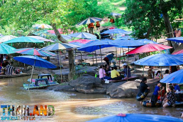 Picknick Namtok Kaeng Song Waterfall
