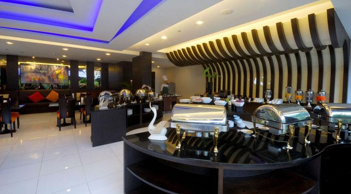 Frühstück im Nouvo City Hotel Bangkok